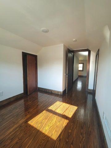 2311 E Glenwood Ave