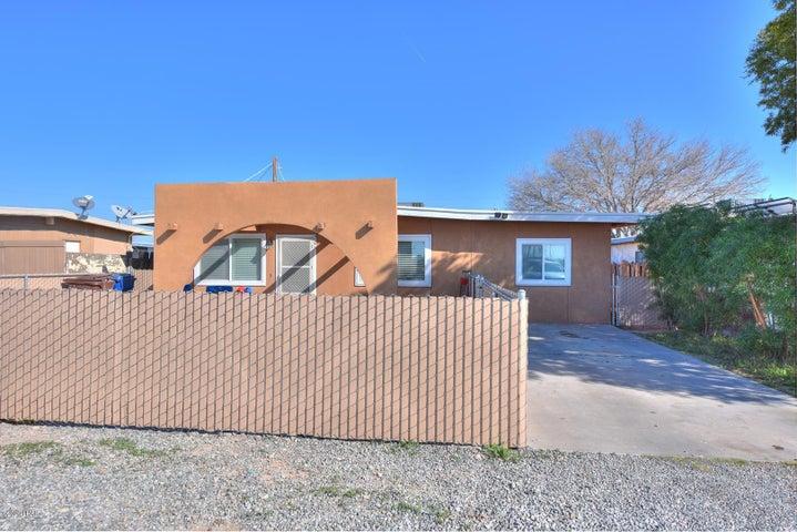 705 S Geronimo Ave, Parker, AZ 85344