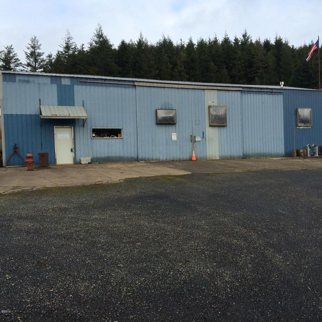 2817 SE 23rd St, Lincoln City, OR 97367 - front Entrance