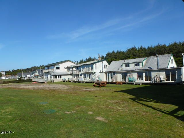 7160 SW Pacific Coast Hwy, Waldport, OR 97394 - Multi units