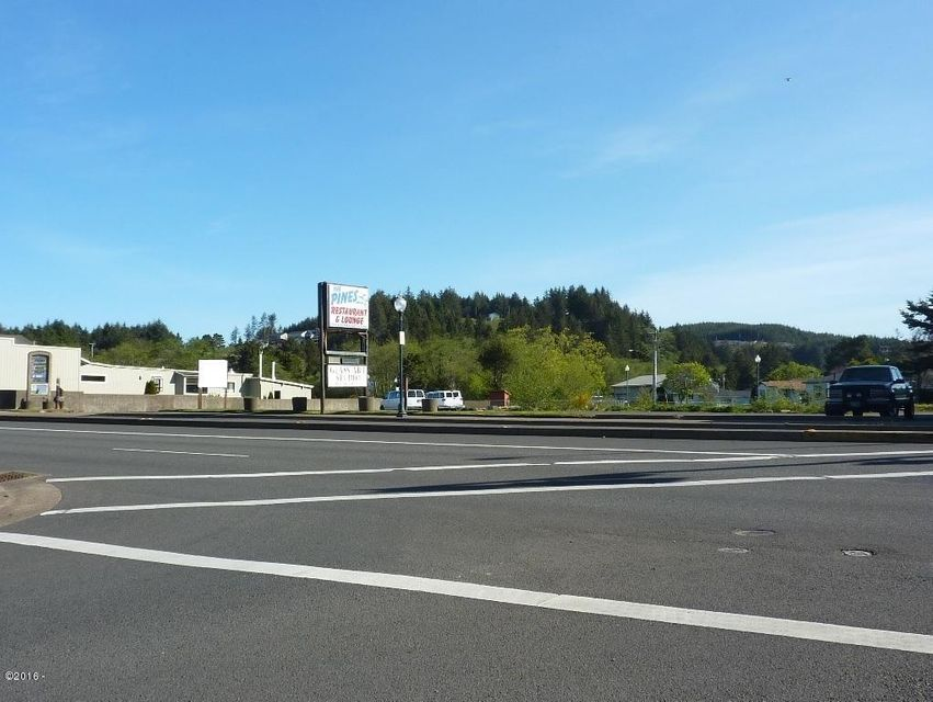 5040 SE Highway 101, Lincoln City, OR 97367 - Hwy 101 frontage
