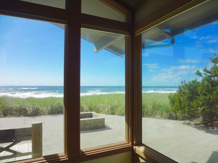 171 Salishan Dr, Gleneden Beach, OR 97388 - Living Room View
