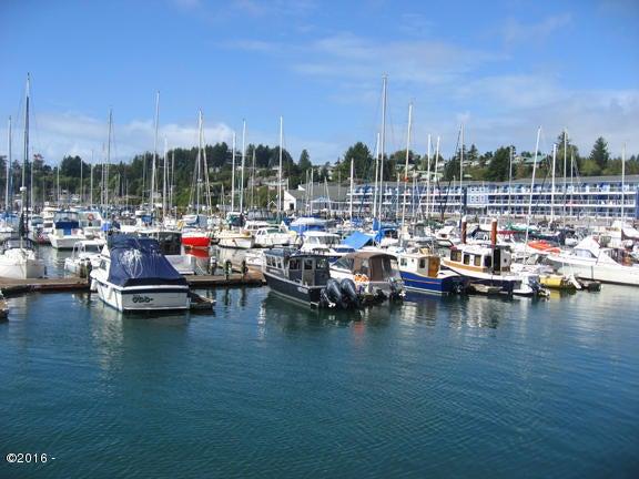 1000 SE Bay Blvd, Newport, OR 97365 - Embarcadero Moorages
