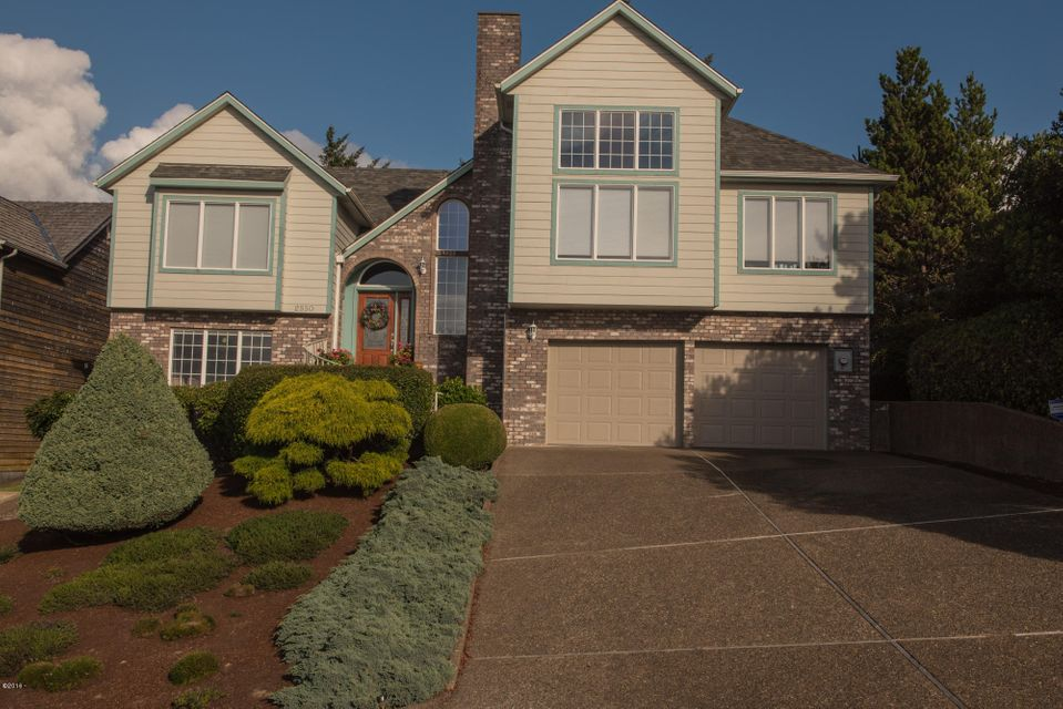 2550 NW Pacific St, Newport, OR 97365 - FRONT OF HOME.