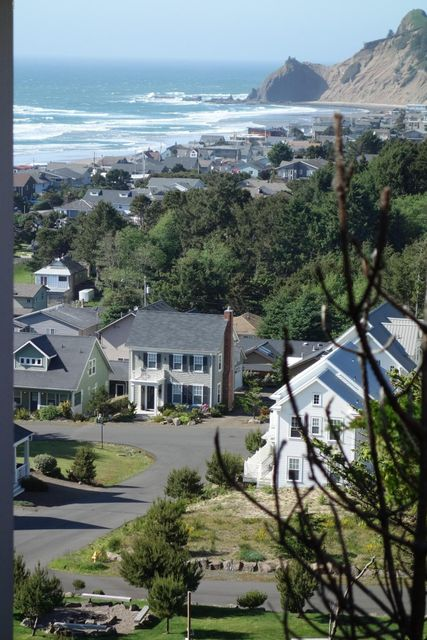 6100 NE Mulberry Loop, Lincoln City, OR 97367 - Bellhaven