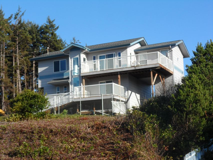 3455 SW Fernwood Ln, Waldport, OR 97394 - Ocean view home