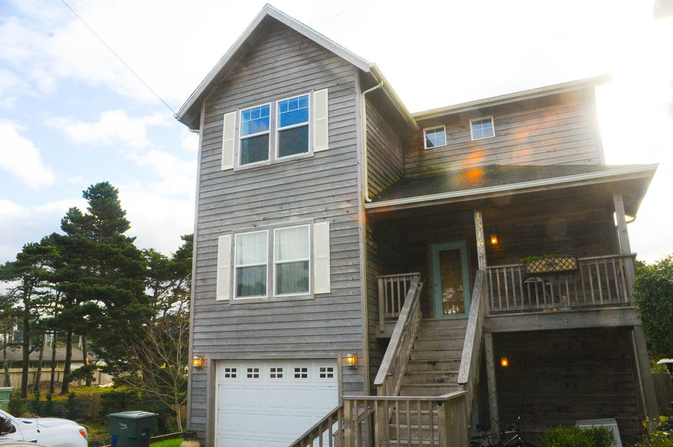 1316 NW 19th St, Lincoln City, OR 97367 - Exterior