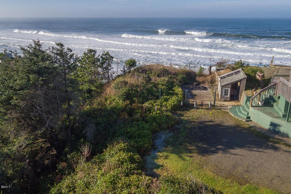 TL2200 SW Anchor Ct, Lincoln City, OR 97367 - 2200SWAnchor-01