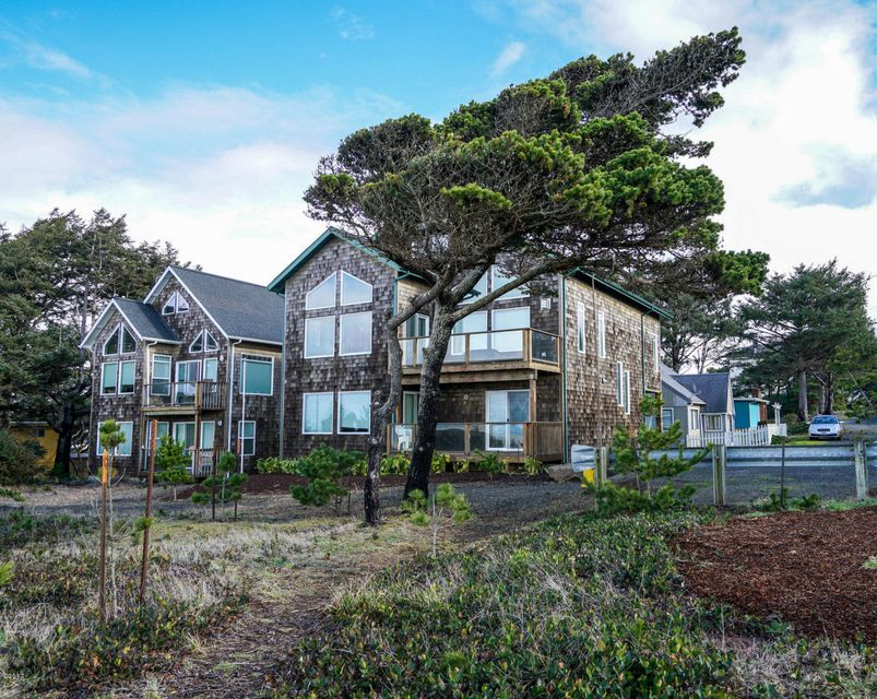 859 SW 8th St., Lincoln City, OR 97367 - Ocean Front Home