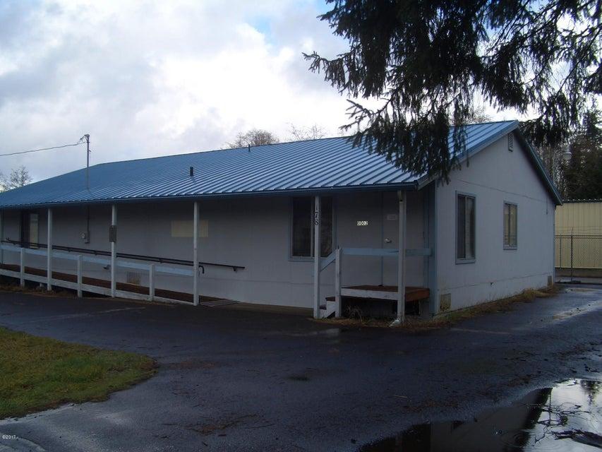178 NE Metcalf Ave, Siletz, OR 97380 - Street Elevation