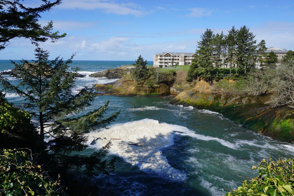 605 US-101, Depoe Bay, OR 97341 - Views
