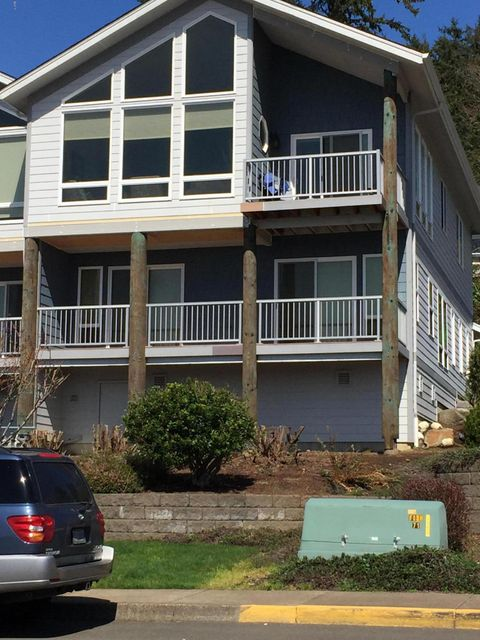 445 SE Bay Blvd, Newport, OR 97365 - Town house