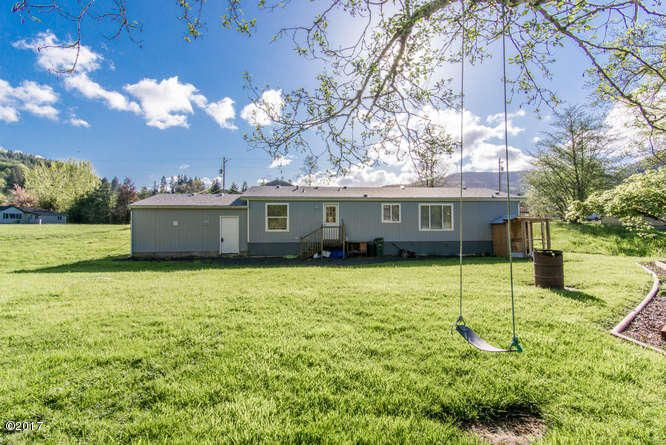 26095 Chinook St, Beaver, OR 97112 - Exterior