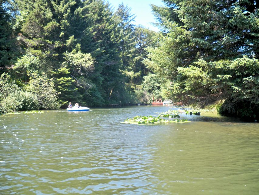 LOT 208 NE Lake Dr., Lincoln City, OR 97367 - Canal Front Lot
