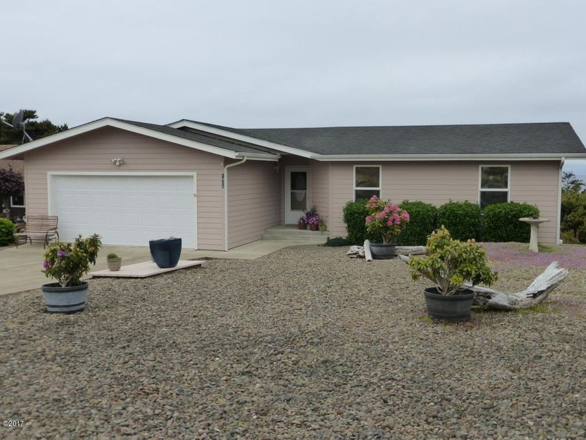 1906 NW Oceanview Dr, Waldport, OR 97394 - Front