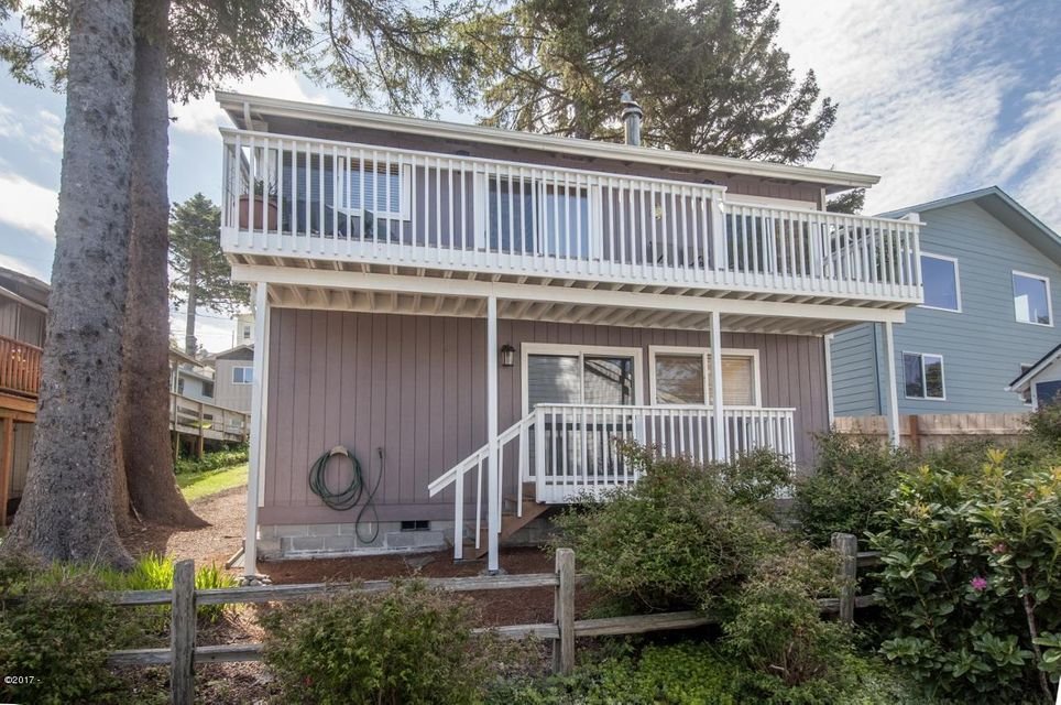 3215 NW Oar Dr., Lincoln City, OR 97367 - Exterior - Rear View