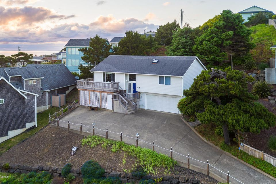 1835 NW 50th St., Lincoln City, OR 97367 - Exterior