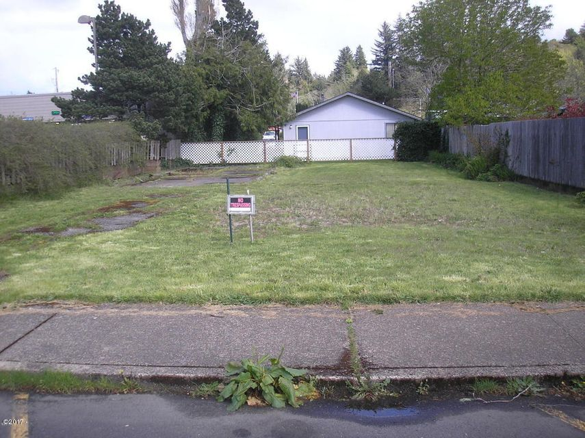 145 NW Verbena St, Waldport, OR 97394 - Matney looking east