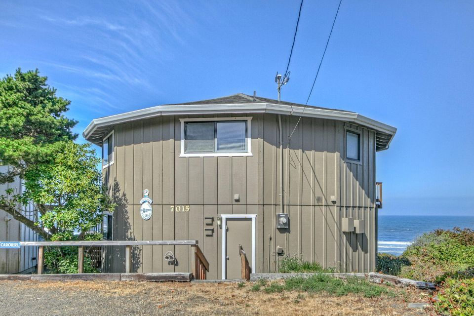 7015 Neptune Ave, Gleneden Beach, OR 97388 - Carousel House