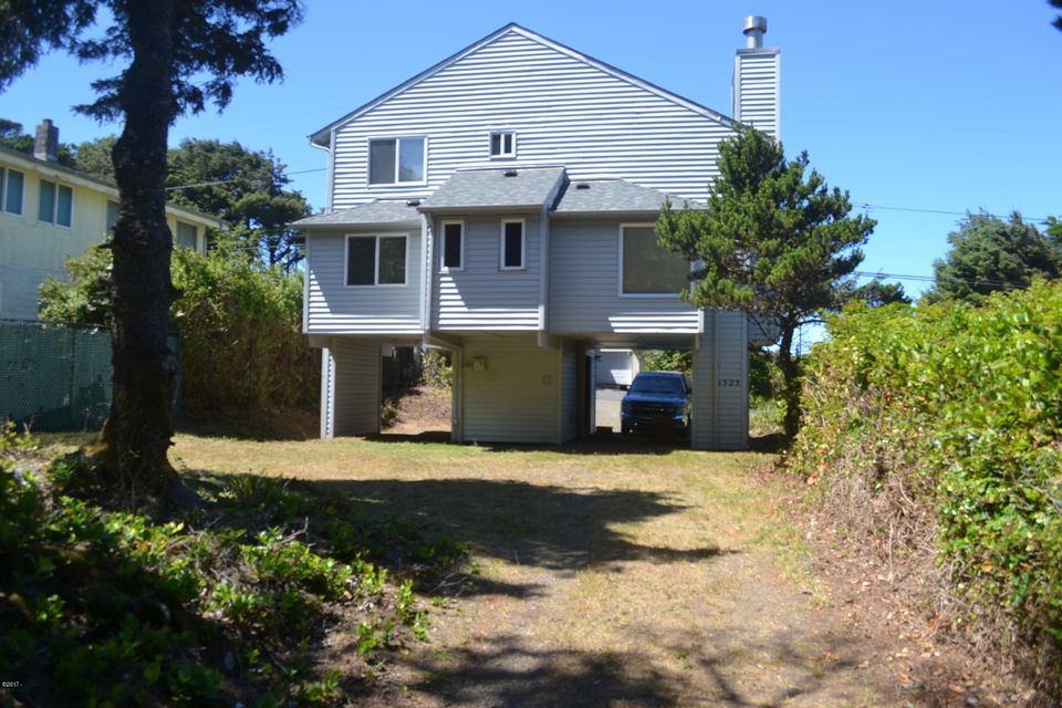1523 SW Dune Ave, Lincoln City, OR 97367 - Front Exterior (Dune side)
