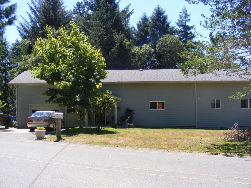 1083 NE Newport Heights Drive, Newport, OR 97365-9588 - Front Exterior
