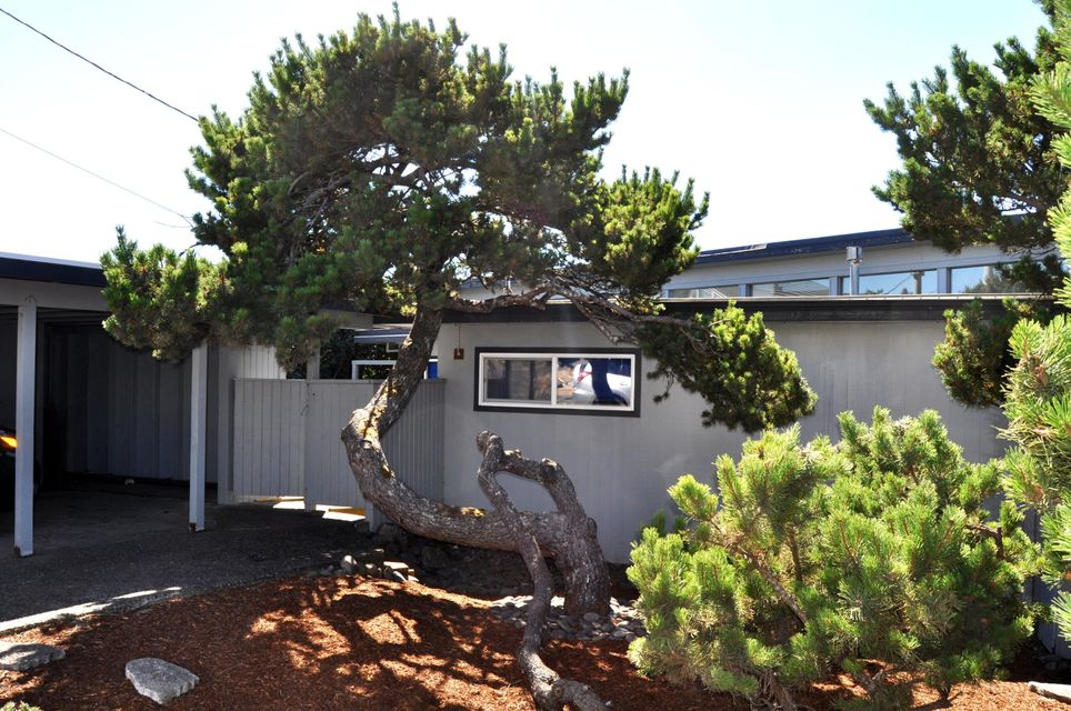 5705 NW Jetty Ave, Lincoln City, OR 97367 - Street View of House