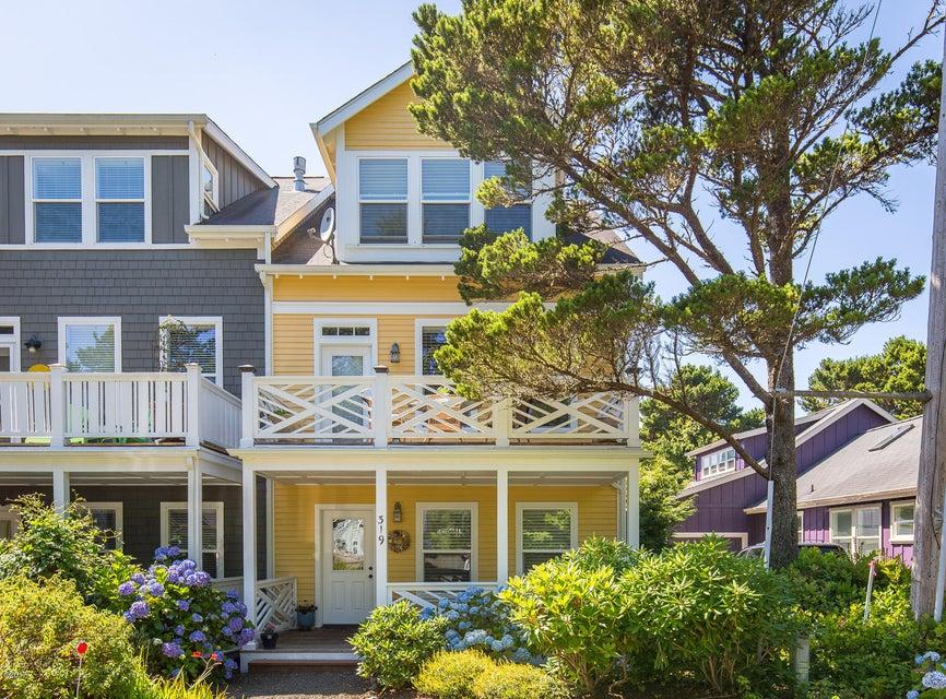 319 Kinnikinnick Way, Depoe Bay, OR 97341 - Front of Home