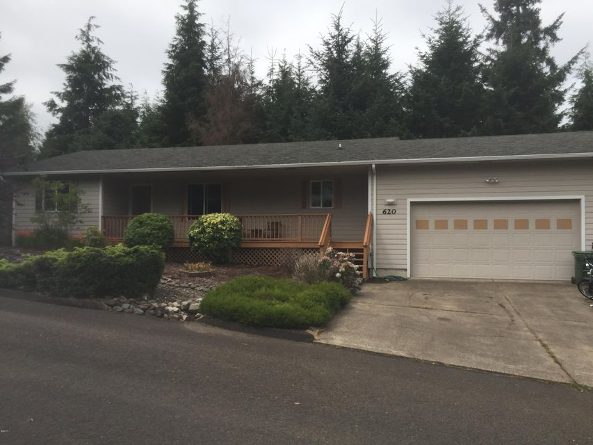620 SE Ball Blvd, Waldport, OR 97394 - Front
