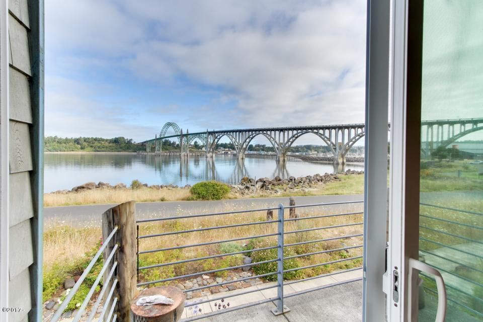 2618 SW Brant St, Newport, OR 97365 - View