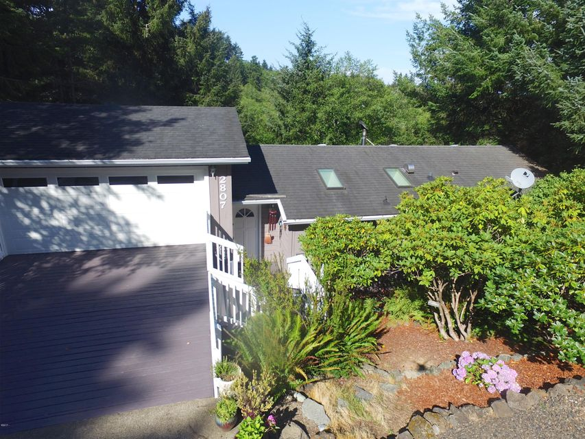2807 NE Jackson Pl, Newport, OR 97365 - Front of House