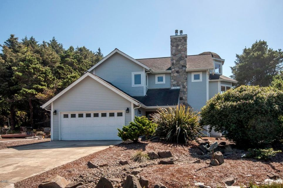 450 SW Edgewater, Depoe Bay, OR 97341 - Edgewater home