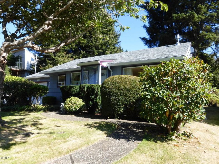 2310 NE 36th Dr, Lincoln City, OR 97367 - Front