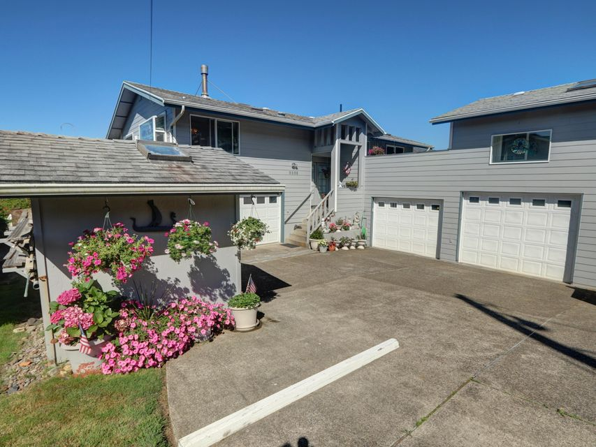 8898 Marine View St, South Beach, OR 97366 - Front