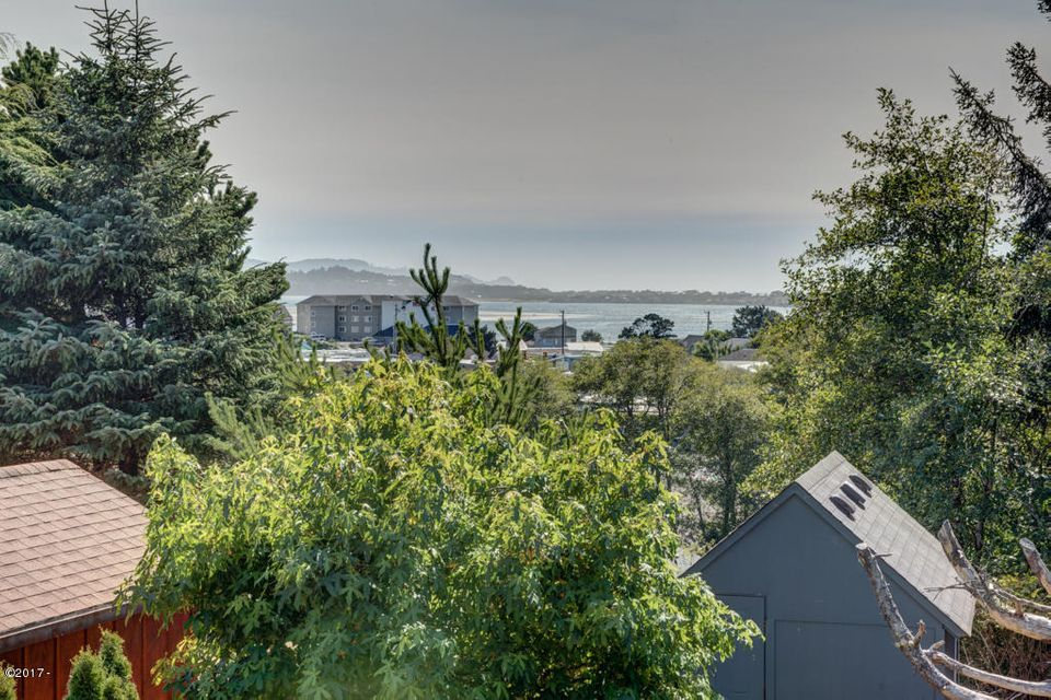 4535 SE High School Dr, Lincoln City, OR 97367 - View from living room