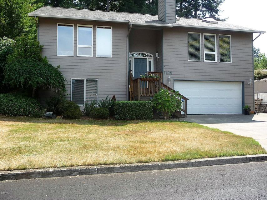1128 NW Sunset Dr, Toledo, OR 97391 - Front