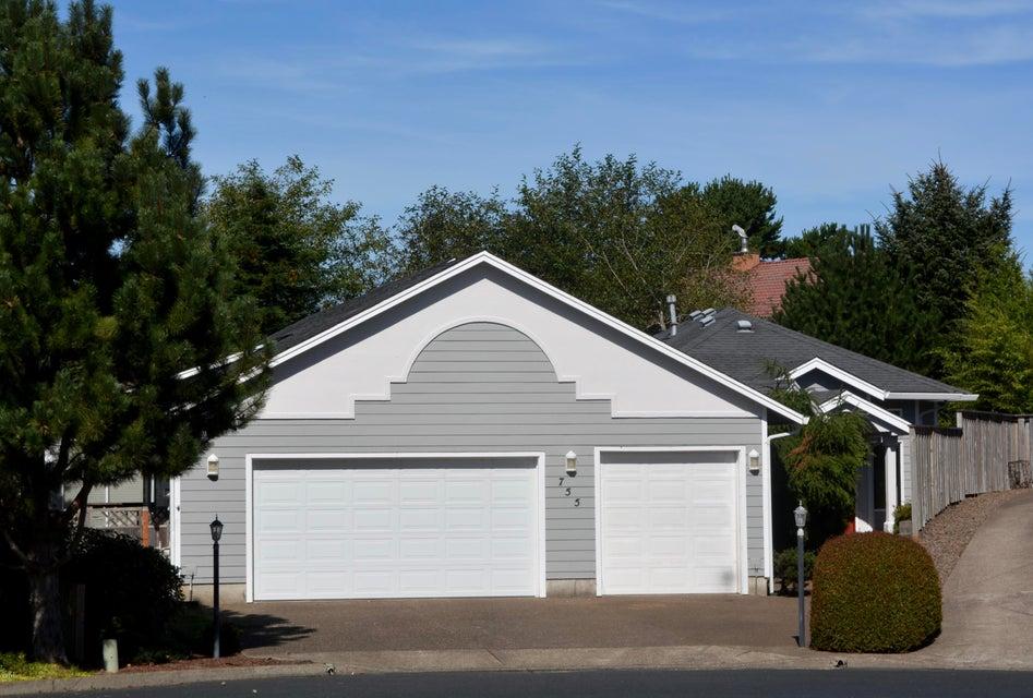 755 NE Jeffries Pl, Newport, OR 97365