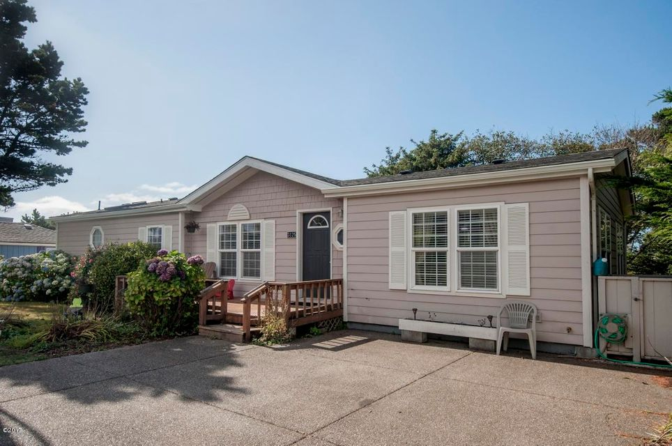 3125 SW Beach Ave., Lincoln City, OR 97367 - Curbside