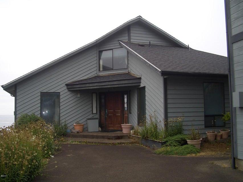 535 SW Cardinal Street, Depoe Bay, OR 97341 - Entry elevation