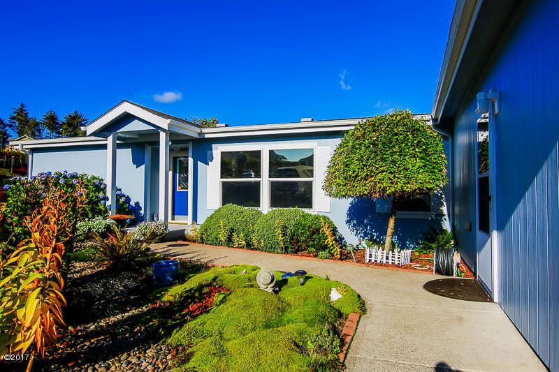 2862 NE 46th Loop, Lincoln City, OR 97367 - Beautiful Landscape