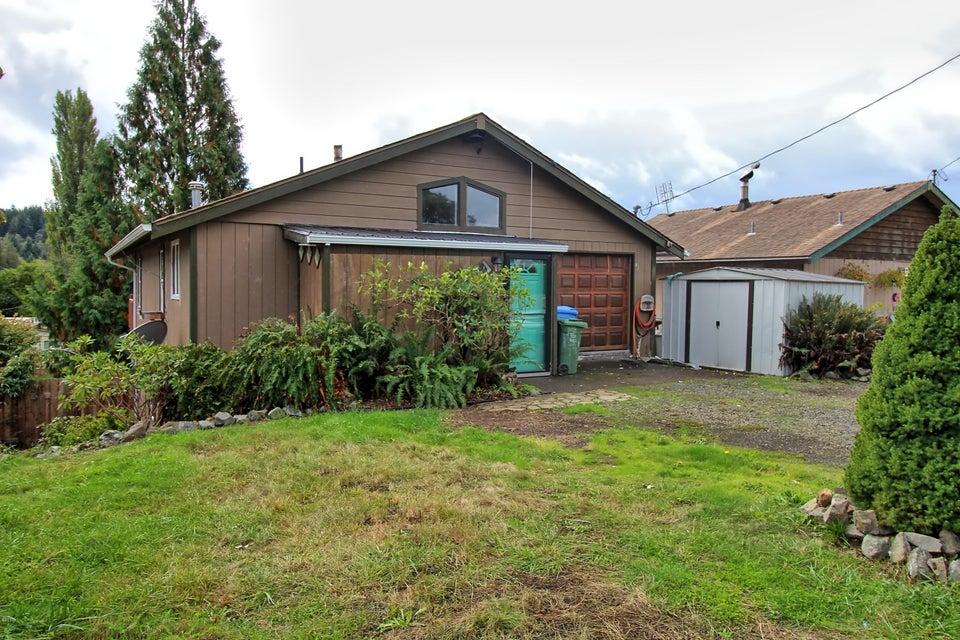363 SE Egbert Ave, Siletz, OR 97380 - Front of home