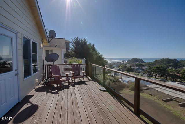 447 King St, Yachats, OR 97498 - Oceanview Deck