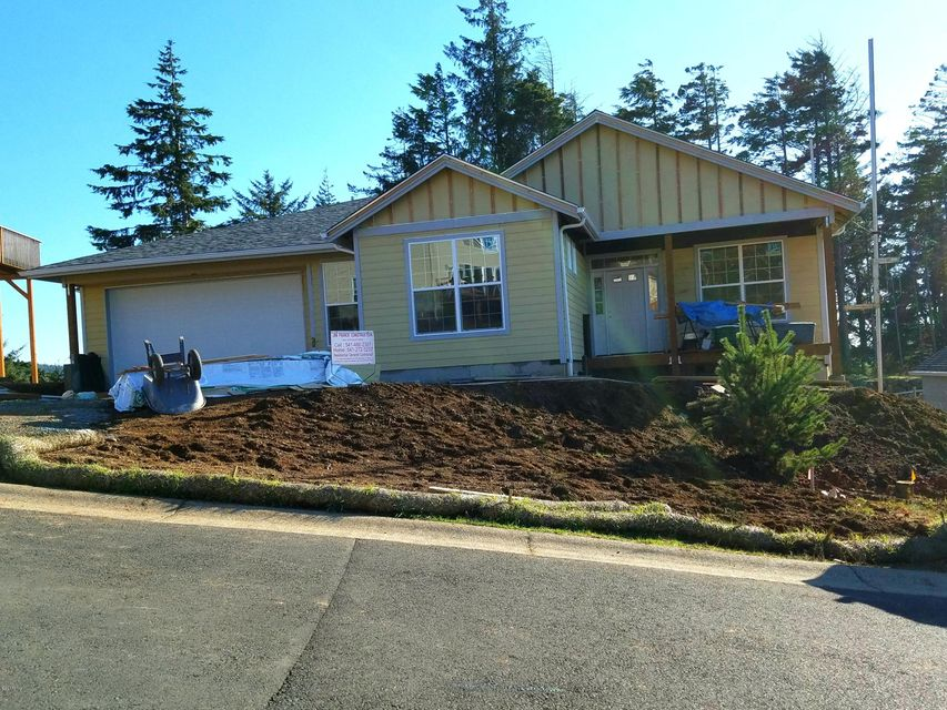 1452 SE 43rd St, Lincoln City, OR 97367 - Front of home under construction