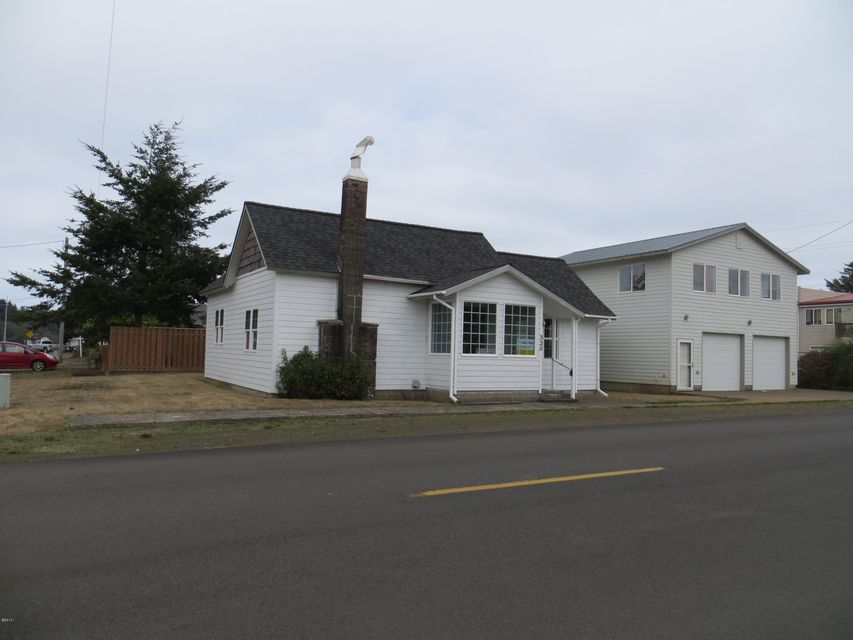 320 NE Spencer St, Waldport, OR 97394 - Street View
