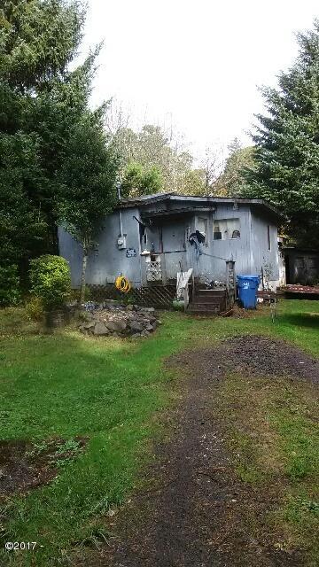 6106 NE Mason Ave, Yachats, OR 97498 - Little home