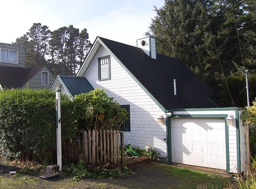 2959 SW Beach Ave, Lincoln City, OR 97367 - Front