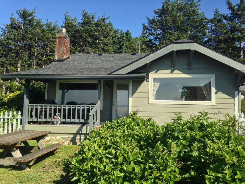 780,788 SW Pacific Coast Hwy, Waldport, OR 97394 - House 1