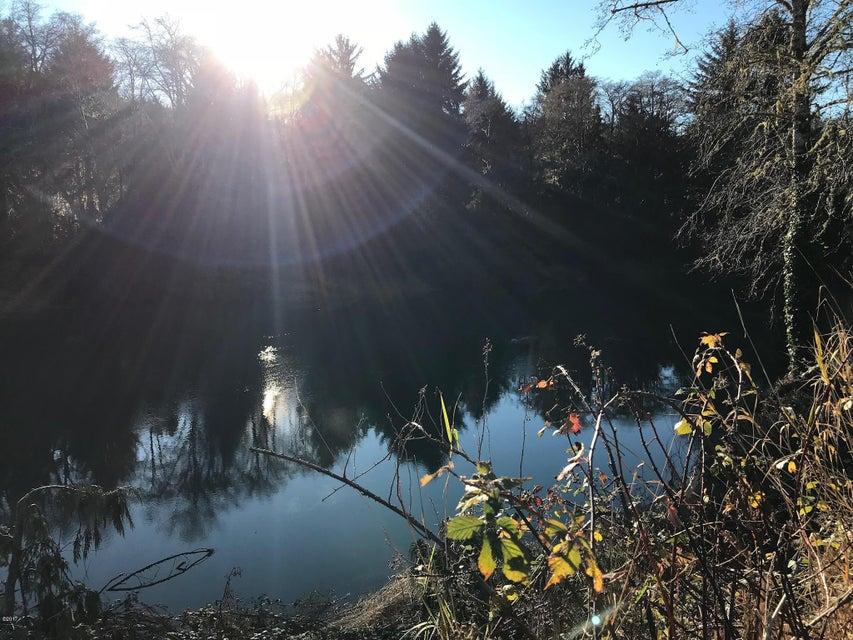 12040 Siletz Hwy, Lincoln City, OR 97367 - Siletz River