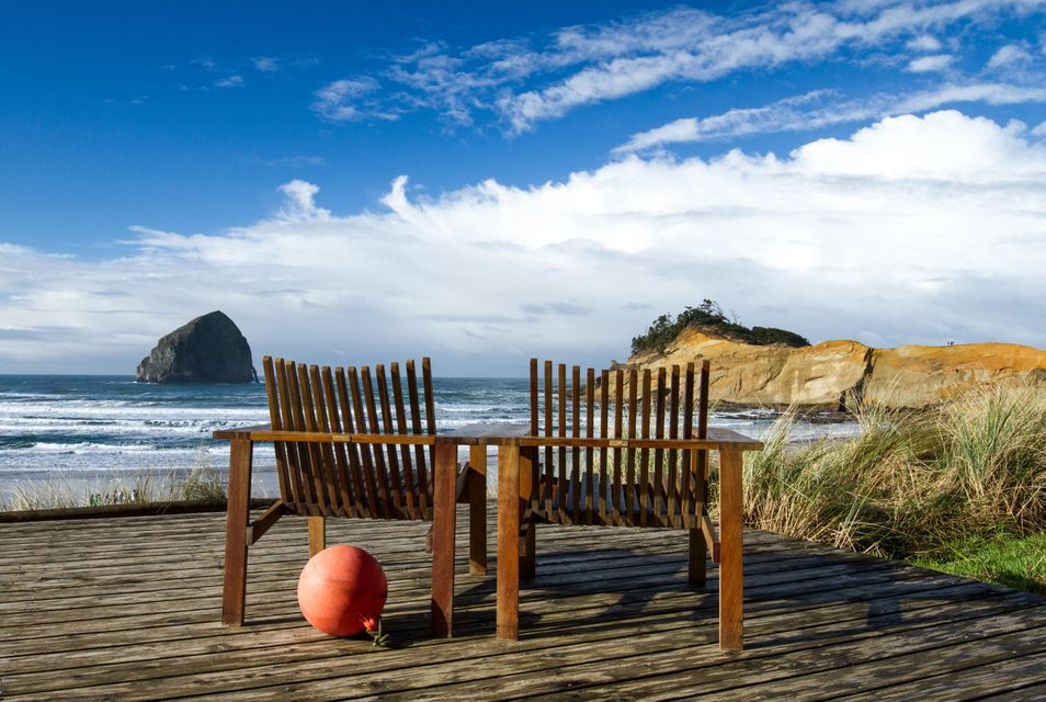 33000 Cape Kiwanda Dr Unit 18 Wk 30 Dr, Pacific City, OR 97135 - Oceanfront Iconic Views