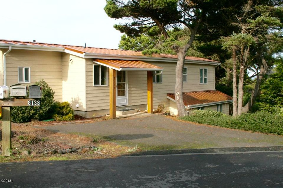 8133 SW Marine View Pl, South Beach, OR 97366 - Welcoming Entrance/Extra Parking