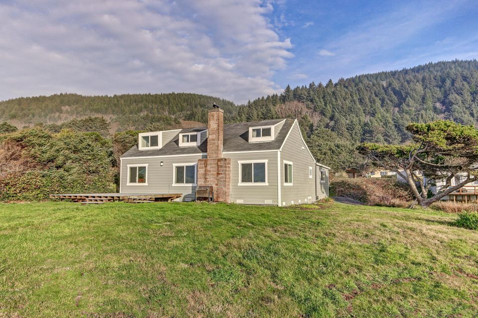 95514 Highway 101 S, Yachats, OR 97498 - Baer Exterior West